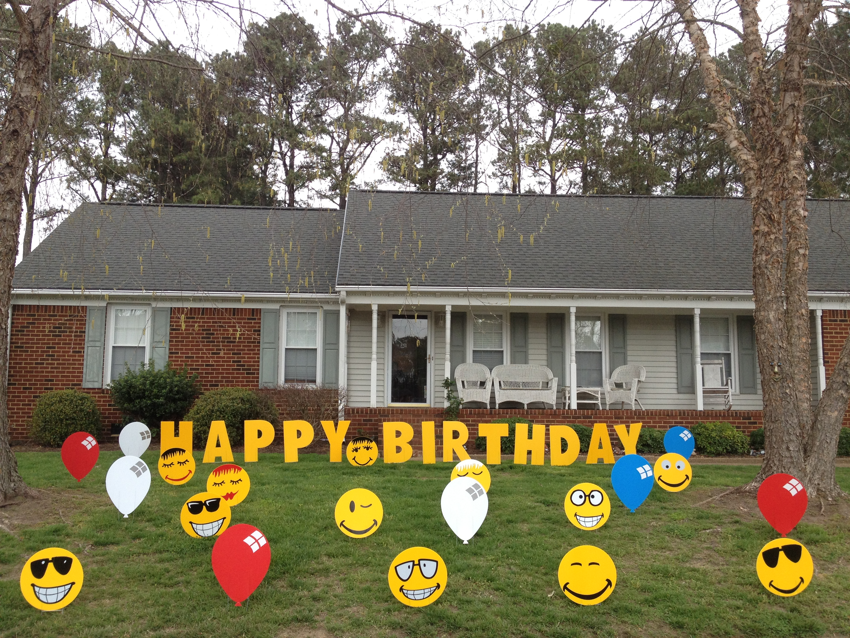 VA Lawn Greetings  VA Yard Cards Virginia Birthday Signs Front Yard Friends Yard Greeting ...